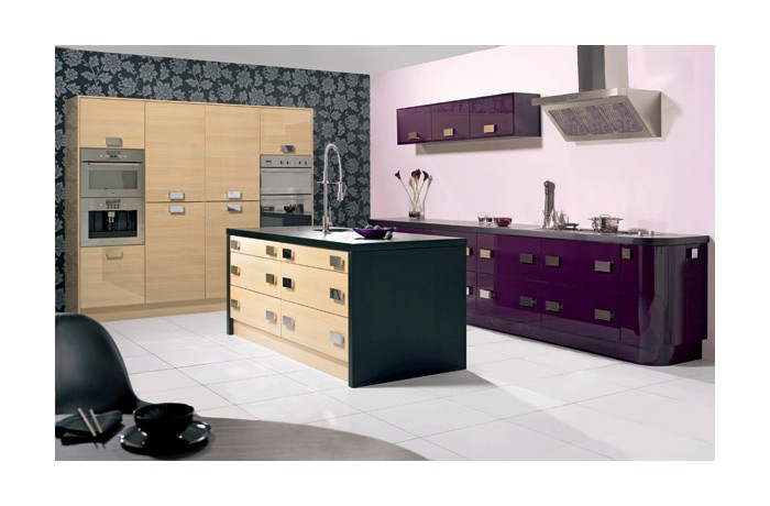 Reflection Aubergine & Oak Gloss