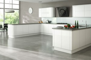 Larissa White High Gloss